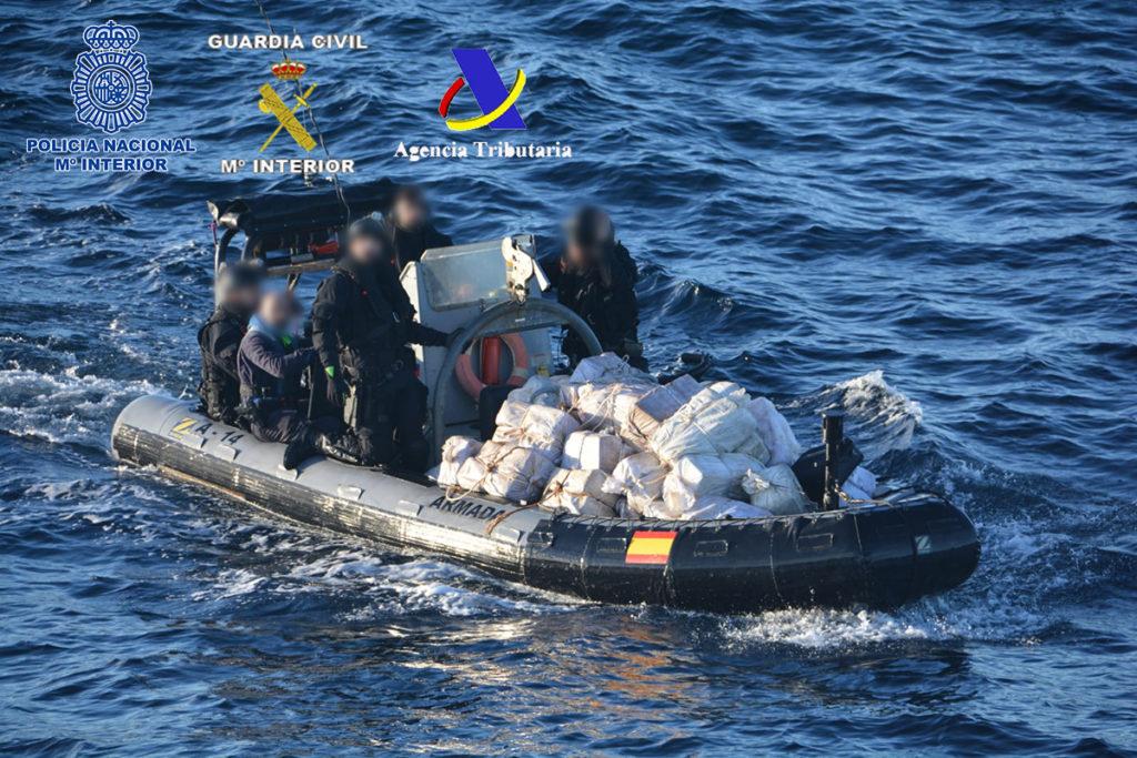 una operación de la Policía Nacional, la Guardia Civil y la Agencia Tributaria con la colaboración de la Armada Española
