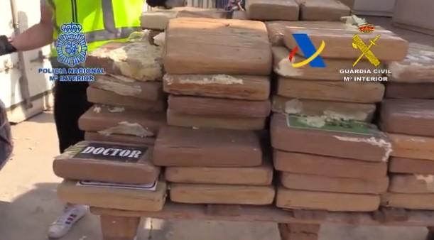 Más de una tonelada de cocaína intervenida por la Policía Nacional en una operación conjunta